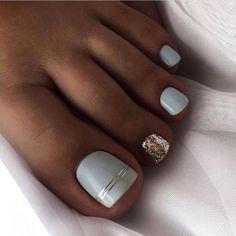 Pretty Toe Nails, Cute Toe Nails, Fancy Nails, Cute Acrylic Nails, Pretty Toes, Gel Toe Nails, Gel Toes, Feet Nails, Pedicure Nail Designs