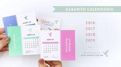 O Gabarito Calendário do My Planner Colibri são posts cards que servem de guia para você colar os dots adesivos nos dias do My Planner Colibri.  Eles são frente e verso, no período de 6 ou 12 meses, e você pode usar o My Clips e ter um calendário sempre à vista.