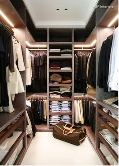 Awesome Small Walk-In Closet Design Ideas and Inspiration for Modern Home Decor - Do you need to whip your small walk-in closet into shape? You will love these incredible small walk-in closet ideas and makeovers for some inspiration! Walk In Closet Small, Walk In Closet Design, Closet Designs, Double Closet, Wardrobe Closet, Closet Space, Open Wardrobe, Bedroom Wardrobe, Wardrobe Furniture
