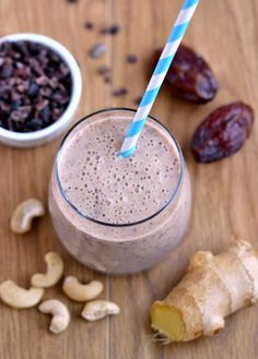 Ginger Choc Crunch Smoothie (Raw, Vegan) - date-sweetened, or you can sub stevia or xylitol in this sweet, healthy treat.