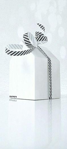 Geschenkideen für Liebhaber guten Designs finden Sie bei uns. Auch kleine Aufmerksamkeiten für niedriges Budget. Schauen Sie selbst! www.cultform-shop.de
