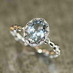 Oval Diamond Engagement Ring Settings
