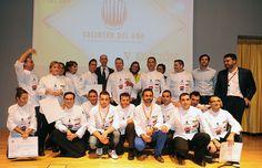 Participantes y jurado tras la elección del ganador
