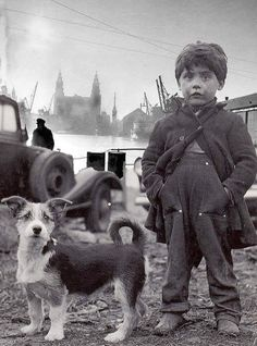 Liverpool kid and his dog, Docklands 1953 Vintage Children Photos, Vintage Pictures, Old Pictures, Vintage Images, Photo Vintage, Animals For Kids, Cute Animals, Jolie Photo, Animales