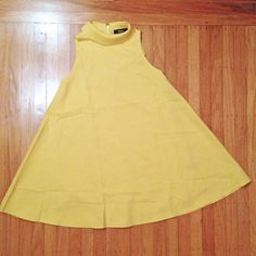 Pineapple Costume: 11 Steps (with Pictures) Tree Halloween Costume, Pineapple Costume, Just The Way, Yellow Dress, Tees, Pretty, Pictures, Crafts, Fashion