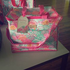 Lilly Pulitzer NWT Cooler - No Trades See photos Lilly Pulitzer Bags