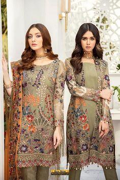 RAMSHA Latest Pakistani Dresses, Latest Pakistani Fashion, Pakistani Designer Suits, Pakistani Dress Design, Pakistani Suits, Latest Dress Design, Pakistani Street Style, Organza Dress, Chiffon Shirt