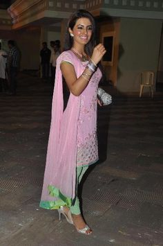 lovely mint & pink kameez #love follow my boards for more :D