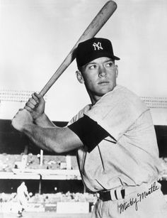 Aug 13, 1995: Yankee legend Mickey Mantle dies http://content.answcdn.com/main/content/img/getty/1/9/3244119.jpg
