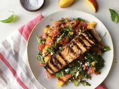 Grilled Salmon with a Farmers' Market Salad Grilled Scallops, Grilled Fish, Grilled Salmon, Salmon Recipes, Fish Recipes, Seafood Recipes, Dinner Recipes, Picnic Recipes, Healthy Dishes