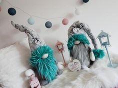 Škriatkovia , Vianočné dekorácie | Artmama.sk Arts And Crafts Box, New Crafts, Doll Crafts, Diy And Crafts, Pink Christmas Decorations, Diy Christmas Tree, Christmas Gnome, Baseball Wreaths, Bohemian Christmas