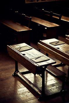 Country School Desks & a BEAUTIFUL rough hardwood floor! Nostalgia, Camille Redouble, Classroom Desk, Retro, Country School, Old School House, Old School Desks, Wood School, Over The Garden Wall