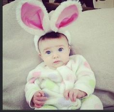 Here's Jake Owen's beautiful 3 month old Pearl getting ready for Easter. She sure makes one cute bunny! Baby Queen, Country Music News, Jake Owen, Cute Bunny, Great Friends, Halloween Costumes For Kids, Easter Bunny, Good Music, Pearl