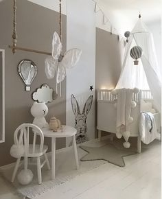 Love this gorgeous little girl's room! Brown Bear lamp available online.
