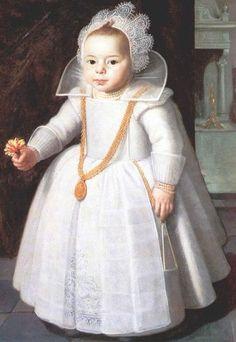 Luis Felipe I era el hijo primogénito del duque Luis Felipe II de Orleans, descendiente del rey Luis XIII, y de Luisa María Adelaida de Borbón, también descendiente del rey Luis XIV de Francia. Desde su nacimiento tuvo el trato de Su Alteza Serenísima, el duque de Valois, hasta la muerte de su abuelo Luis Felipe I de Orleans en 1785 cuando adoptó el título de duque de Chartres.