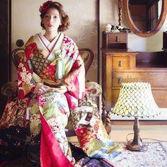 青山にある花嫁着物レンタル専門店*『CUCURU』の古典でモダンな色打掛に感動♡にて紹介している画像