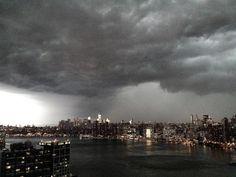 Derecho over Manhattan, 7/26/12 (photo by Rafat Ali).