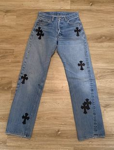 Chrome Hearts Chrome Hearts Levi's Denim Custom Clothes, Diy Clothes, Grunge Outfits, Fashion Outfits, Mode Ootd, Painted Clothes, Looks Vintage, Cute Casual Outfits, Edgy Outfits