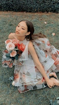 Queenpink 💖 [icons and wallpapers] Kim Jennie, Blackpink Twice, Blackpink Members, Kim Jisoo, Black Pink Kpop, Blackpink And Bts, Blackpink Photos, Blackpink Fashion, Blackpink Lisa