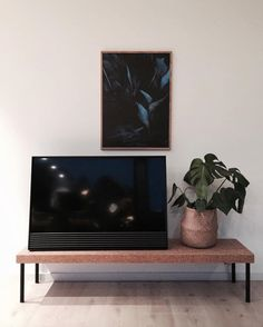 BeoVision Horizon - Looking sharp in everyday situations Micro Apartment, Studio Apartment, Interior Walls, Best Interior, Cozy Living Rooms, Living Spaces, Bang And Olufsen, Home Decor Inspiration, Industrial Design