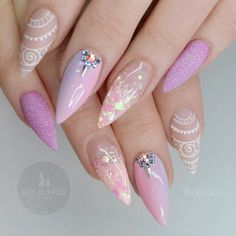 38 Classy Acrylic Stiletto Nails Designs for Summer 2019 Are you looking for acrylic stiletto nails art designs that are excellent for this summer? See our collection full of acrylic stiletto nails art designs ideas and get inspired! Gorgeous Nails, Love Nails, Pink Nails, Pretty Nails, My Nails, Stiletto Nail Art, Acrylic Nails, Nagel Gel, Nails Inspiration