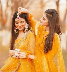 Wedding Dresses For Girls, Girls Dresses, Beautiful Love Pictures, Pakistani Models, Girly Pictures, Stylish Girl Pic, Bride, Couple Photos, Hair Styles