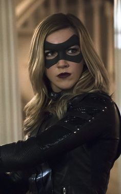 Katie Cassidy Talks Laurel Lance's Death on 'Arrow' & Gives Hope About Coming Back The Arrow, Arrow Tv, Emily Arrow, Mick Rory, Dinah Drake, Black Siren, Dinah Laurel Lance, White Canary, Arrow Serie