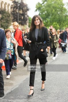 Vogue Paris editor-in-chief Emanuelle Alt after Chanel on Day 3 of Paris Haute Couture Fashion Week Autumn/Winter 2014 on July 8, 2014 in Paris, France.