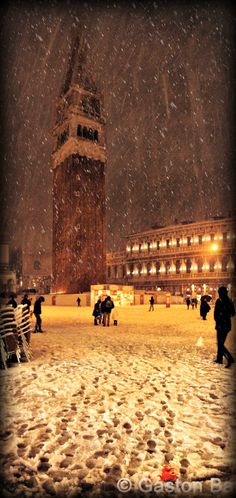 I've been to Venice but would LOVE to go back and see it in the snow, oh my goodness.