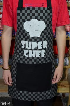 Avental Masculino Super Chef 2                                                                                                                                                                                 Mais Funny Aprons, Cute Aprons, Aprons For Men, Sewing Crafts, Sewing Projects, Sewing Aprons, Apron Designs, Kitchen Aprons, Gifts For Boys