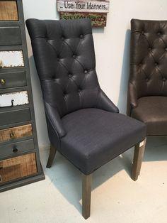 Stuhl Gepolstert Anthrazit Farbe.