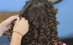 If you or your kids are longing for natural, beautiful curls, you might think that using a curling iron is the only way to get the look. Think again! This simple curling method, brought to