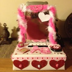 Vanity Valentine's Day Box, Natalie would love this! Lily Valentine, Valentine Boxes For School, Valentines Day Gifts For Him, Valentines Day Party, Valentine Day Crafts, Valentine Ideas, Holiday Crafts, Gifts For Kids, Fun Ideas