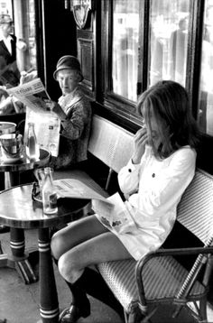 """The elder lady is clearly thinking, """"that young minx forgot to put on pants"""". Brasserie Lipp, Saint-Germain-des-Pres, Paris, 1969 by Henri Cartier-Bresson. Emotional Photography, Candid Photography, Vintage Photography, Street Photography, Fashion Photography, Classic Photography, Photography Office, Documentary Photography, Urban Photography"""