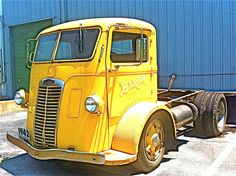 cabover trucks   1942 Autocar Cabover Truck at Austin Rock & Roll Car Museum