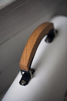 Wood leather White handland beige leather bag original trendy wooden bag shoulder woman messenger classical bag gift present leather purse – Bag Leather Diy Crafts, Leather Gifts, Leather Bags Handmade, Leather Projects, Leather Bag Design, Small Leather Bag, Black Leather Bags, Leather Purses, Leather Bag Tutorial