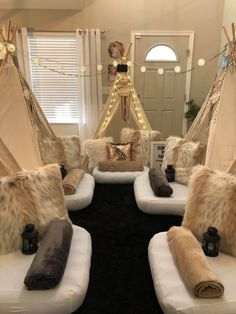 Take your next sleepover party to the next level! Themed teepee and tent slumber party rentals. This is the perfect birthday party for your son or daughter. We are Central Ohio's Premier Teepee and Tent Pary Experience! Birthday Sleepover Ideas, Sleepover Room, Sleepover Activities, Birthday Party For Teens, Party Themes For Teenagers, Sleepover Ideas For Teens, Ideas For Sleepovers, Slumber Party Ideas, Sleep Over Party Ideas