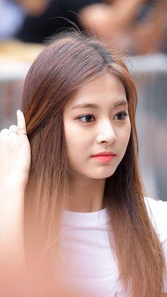 Kpop Girl Groups, Korean Girl Groups, Kpop Girls, The Most Beautiful Girl, Beautiful Gorgeous, Nayeon, Asian Woman, Asian Girl, Prity Girl