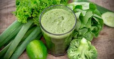 The detox diet is worried about resolving the total health and wellness of Americans, not simply their waistline. The diet regimen trends that have come along have been worried with treating the waist. 10 Day Green Smoothie, Green Smoothie Cleanse, Liver Detox Cleanse, Detox Your Liver, Detox Diet Plan, Avocado Smoothie, Body Detox, Detox Life, Juice Smoothie
