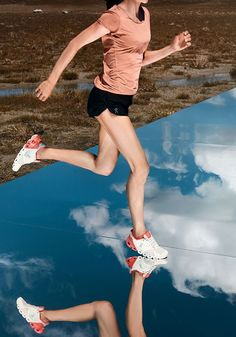 #cloudflyer #onrunning #on #running #laufschuh #running #shoe #runningshoe Shoe Wall, Best Running Shoes, How To Make Light, How To Run Longer, On Shoes, Coral, Clouds, Clothes For Women, Lifestyle