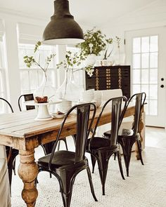 Boho Dining Room Decor - What do you put in the middle of a dining table? Boho Dining Room Decor - What else can you use a formal dining room for? Farmhouse Dining Room Table, Metal Farmhouse Chairs, Black Metal Dining Chairs, White Farmhouse Table, Black And White Dining Room, Dining Table Makeover, Country Dining Rooms, Patio Makeover, Farmhouse Style