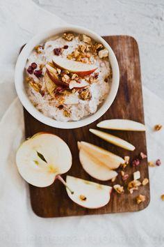 omena-kaneli tuorepuuro Oats Recipes, Healthy Recipes, Healthy Foods, Good Food, Yummy Food, Breakfast Snacks, Gluten Free Breakfasts, Aesthetic Food, Kaneli