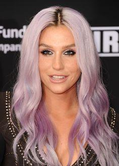 Kesha con i capelli color lavanda #rainbowhair #lilachair #pinkhair #haircolor #hairtrend