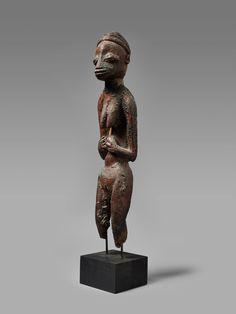 BeninA FON FEMALE FIGURE, Auction 1054 African and Oceanic Art, Lot 81