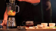 Depura tu organismo con un saludable zumo de frutas elaborado con una de nuestras mezclas estrellas: el té SLIM PAPAYA, un pu erh lleno de sabor ideal para eliminar toxinas. Pu Erh, V60 Coffee, Coffee Maker, Kitchen Appliances, Cooking, Healthy, Best Recipes, Fruit, Stars