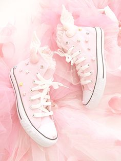 Pink diy fairy kei wings all star converse shoes pastel Kawaii stars Cute Shoes, Me Too Shoes, Women's Shoes, Pink Shoes, Pink Sneakers, Converse Sneakers, Fall Shoes, Winter Shoes, Pastel Goth Shoes