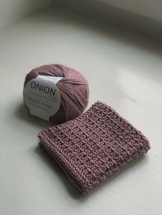 Sunday Sweater strikket i økologisk uldgarn - Ecoknitting Knitted Washcloths, Knit Dishcloth, Knitted Hats, Crochet Clutch, Knit Or Crochet, Yarn Projects, Crochet Projects, Yarn Crafts, Diy And Crafts