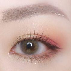 korean makeup – Hair and beauty tips, tricks and tutorials Korean Makeup Ulzzang, Korean Makeup Look, Korean Makeup Tips, Asian Eye Makeup, Korean Makeup Tutorials, Makeup Eye Looks, Smokey Eye Makeup, Eyeshadow Makeup, Kawaii Makeup