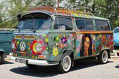 Kombi volkswagen hippie style.