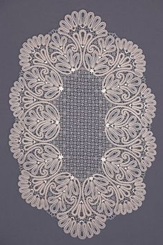 Салфетка | Снежинка: Вологодское кружево: Crochet Home, Irish Crochet, Crochet Crafts, Crochet Doilies, Bobbin Lace Patterns, Doily Patterns, Crochet Patterns, Romanian Lace, Bruges Lace